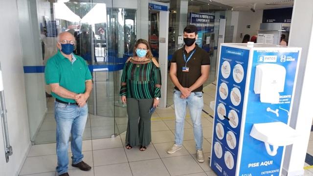 Prefeitura de Patos implanta lavabos em agências bancárias, casas lotéricas, mercado público e outros pontos da cidade