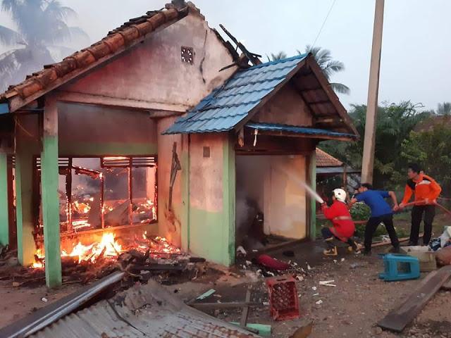 Rumah Zamawi Habis Dilahap Sijago Merah