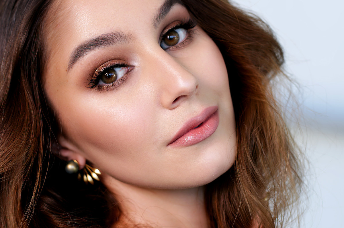 Go For a Bronzed Look | The Girls Beauty Bible