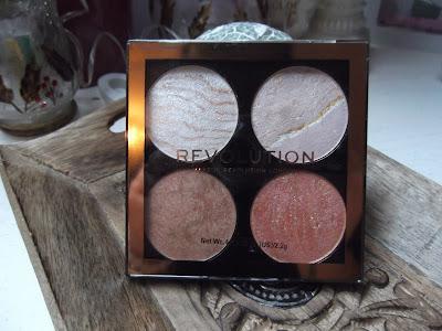 Makeup Revolution Cheek Kit paletka na tvár