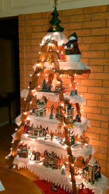 Arboles De Navidad Con Escaleras de Madera by artesydisenos.blogspot.com