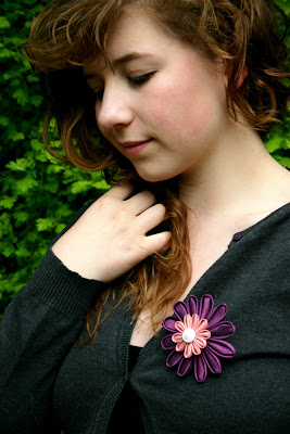 Kanzashi Blume Brosche