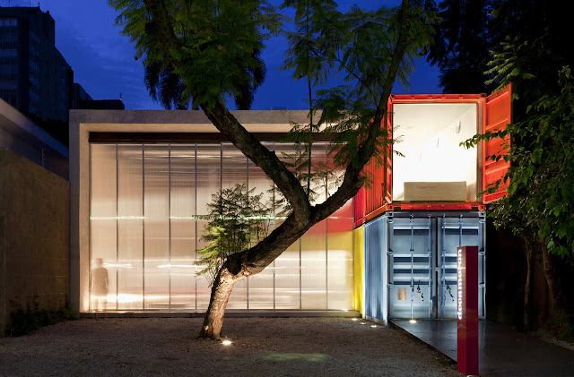 Decameron - Low Budget Colorful Shipping Container Store, Brazil 12