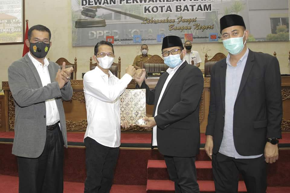 Sampaikan LKPj Walikota Batam, Amsakar Jabarkan Prestasi Pemko Batam Raih Sembilan Penghargaan Selama Tahun 2020