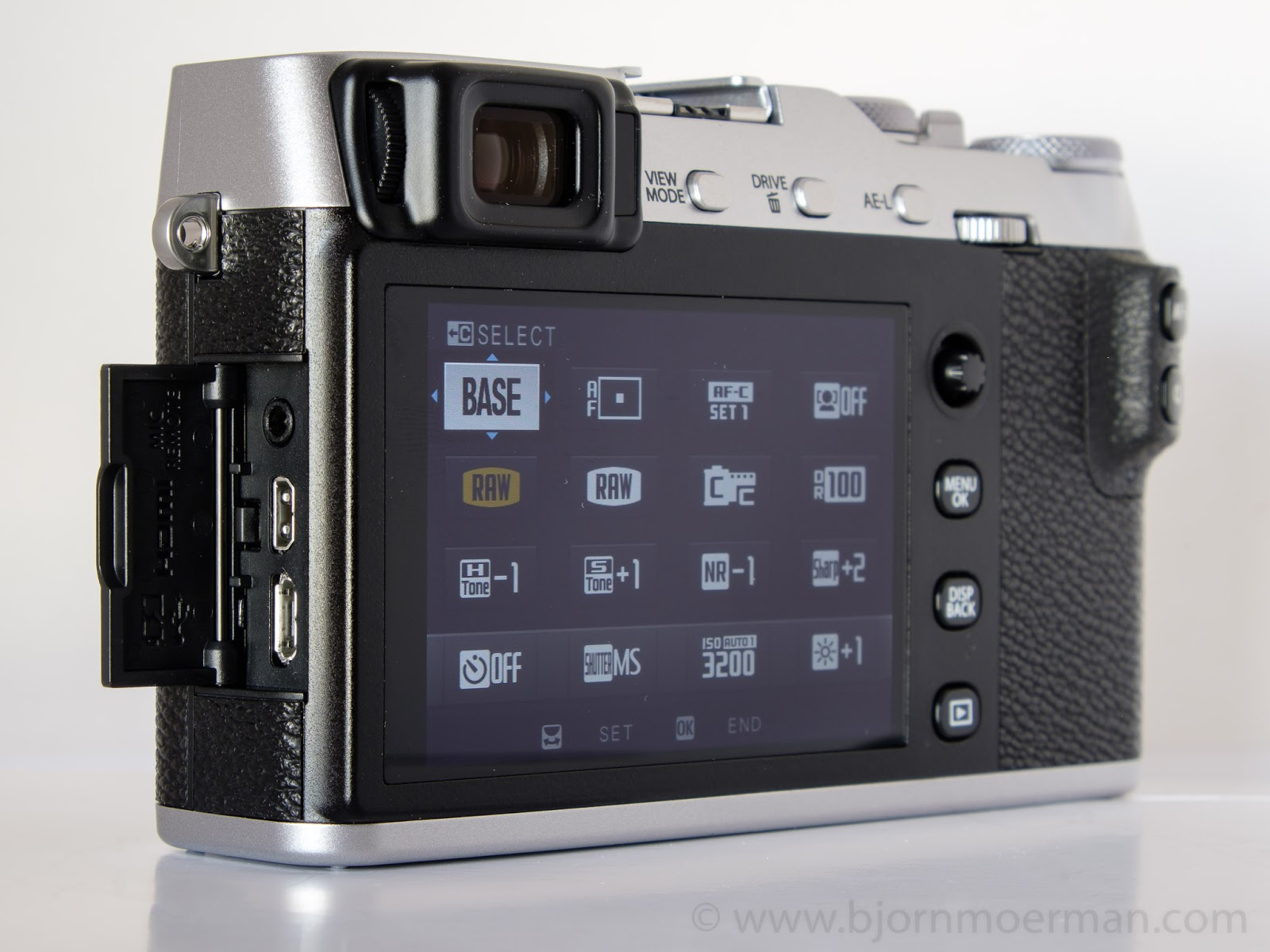 Bjrn Moerman Photography First Look Review Fujifilm X E3 Kit Xf 18 55mm Silver 35mm F2 On The Left Hand Side One Finds A 25mm Headset Jack Which Can Also Be Set Up And Used To Control Wired Remote Trigger Menu Setting