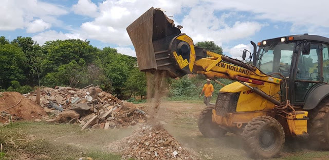 CASCALHO RICO: Reciclagem de restos de materiais de construção