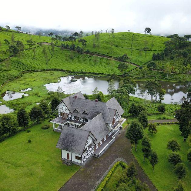 villa jerman Pangalengan Photo @unboxing_indonesia