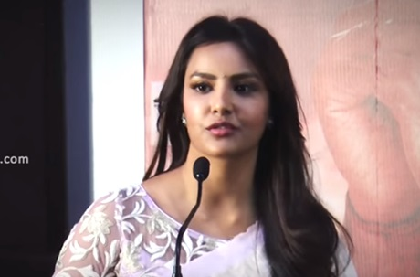 Lots of Offers but I picked Kootathil Oruthan – Priya Anand