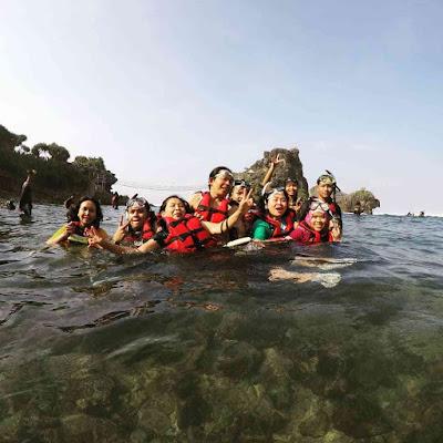 Wahana Pantai Nglambor