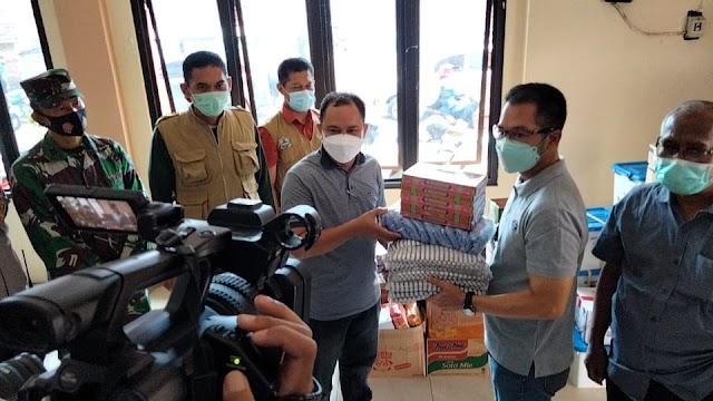 Plt. Bupati Kudus Serahkan Langsung Bantuan Logistik Pada Korban Banjir Desa Gulang