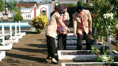 Ziarah ke Makam Tokoh Warnai Peringatan Hari Pramuka di Purworejo