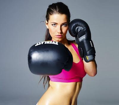 sử dụng găng tay đám bốc trong tập luyện và thi đấu