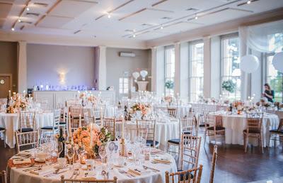 Espacio para boda con ventanales