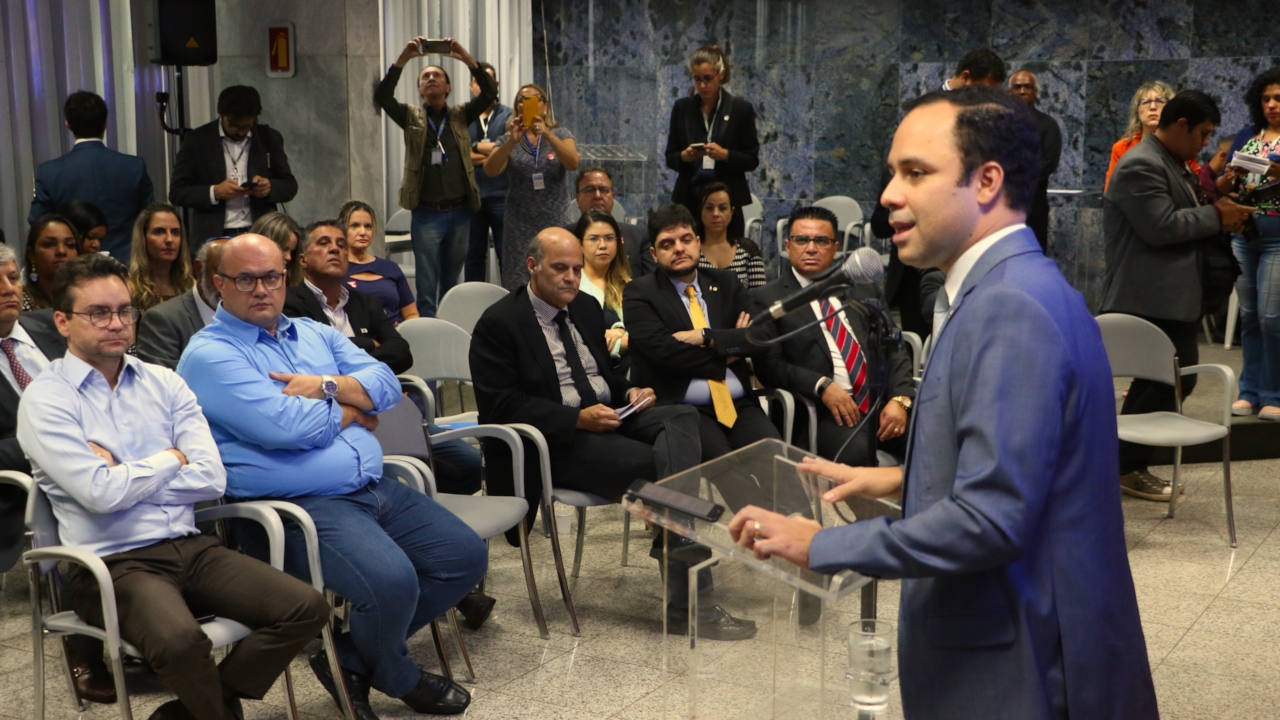 O secretário Mateus Leandro pontuou que a medida é válida para qualquer região do DF. Foto: Renato Alves/Agência Brasília