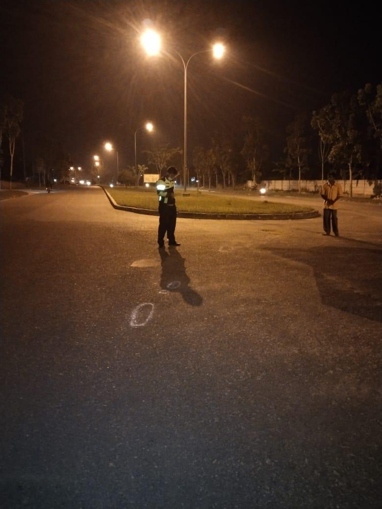Dua Orang IRT Pengendara Sepeda Motor Ditabrak Mobil Colt Diesel di Pangkalan Kerinci, 1 Tewas, 1 Kritis