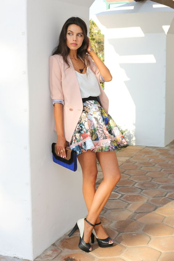Street Styles to Pop up Your Skirts