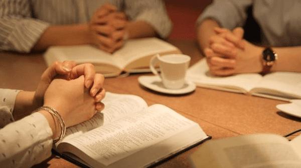 Bacaan Injil Sabtu 15 Mei 2021, Renungan Katolik Sabtu 15 Mei 2021, Renungan Harian Katolik Sabtu 15 Mei 2021, Bacaan Injil Yohanes 16:23b-28