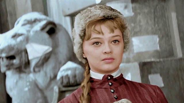 Позднее счастье и 40 лет брака с известным актером - Алина Покровская