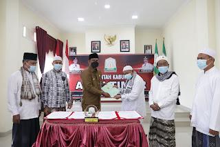 Seluruh Aset Islamic Center Pemkab Atim Dihibah Untuk Dayah Bustanul Huda