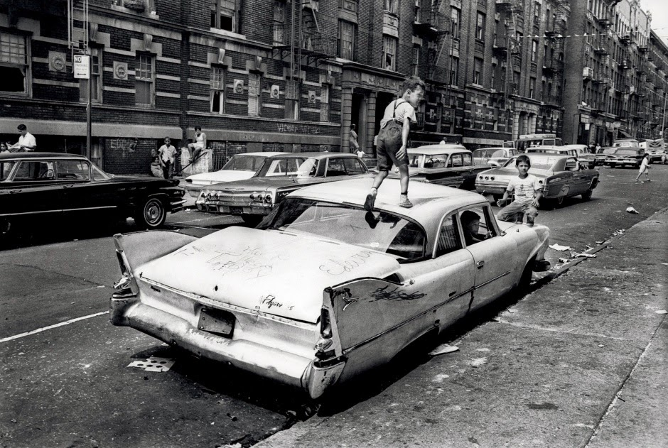Amazing Pictures of Grim and Gritty New York City in the ...