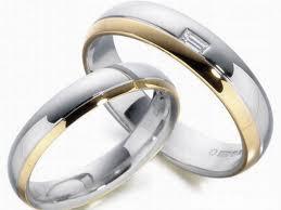 dekorasi pernikahan: contoh cincin pernikahan