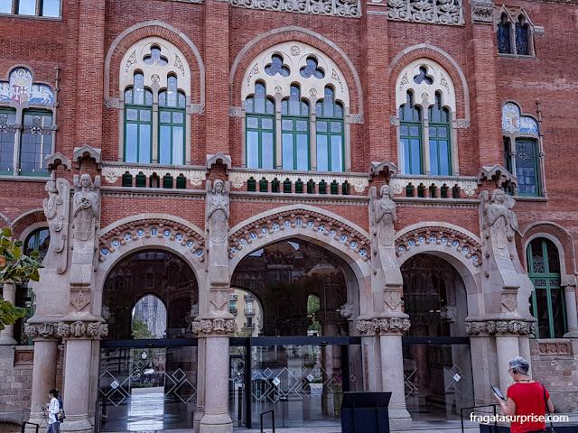 Anjos do escultor Eusebi Arnau na dcoração do Hospital Sant Pau de Barcelona
