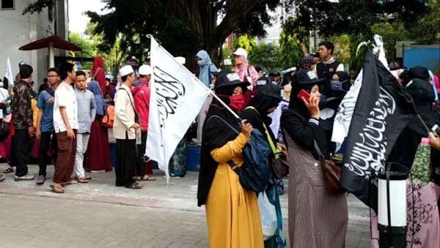 Aksi Bela Tauhid di Malang Diwarnai Bentrok hingga Dibubarkan Polisi