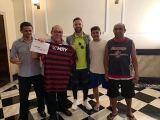 Paraibano participa de promoção e viajará para Lima onde assistirá a Final da Libertadores