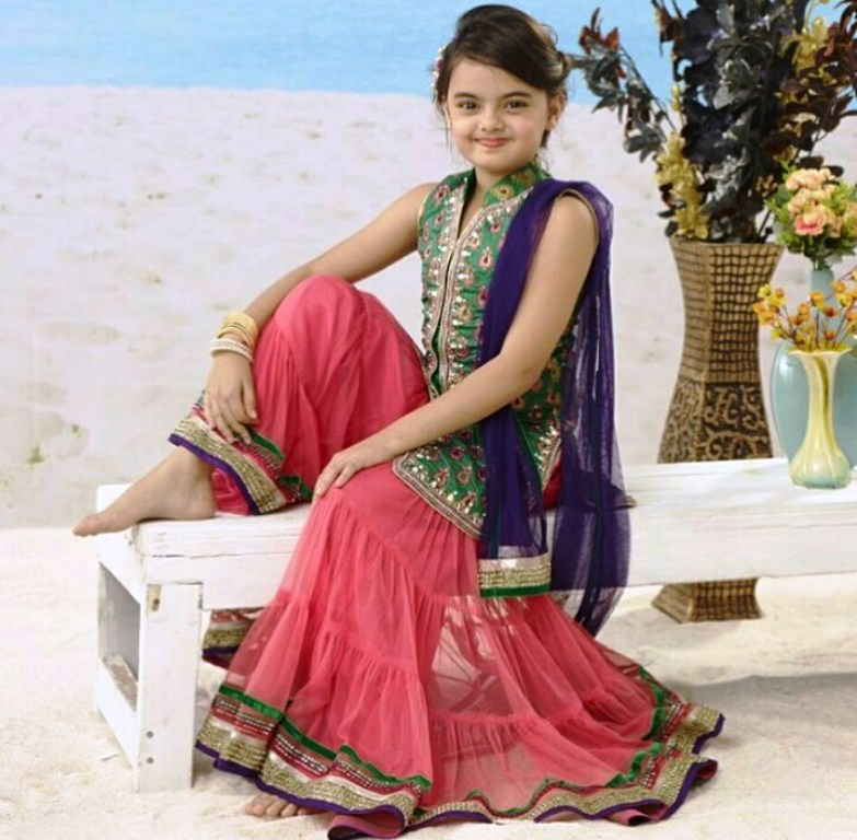 Foto Ruhanika Dhawan_Pemeran Ruhi Raman Bhalla_Serial Mohabbatein ANTV_Cantik Imut Cerdas_empat