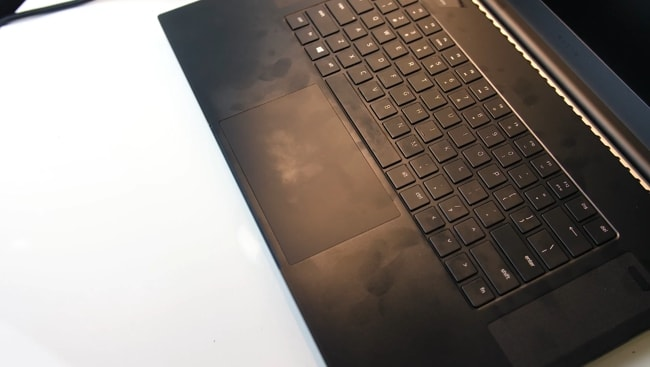During testings, The Razer Blade Pro 17's smooth surface found to be fingerprints magnet. But, they were easy to wipe off using the micro-fiber cloths.