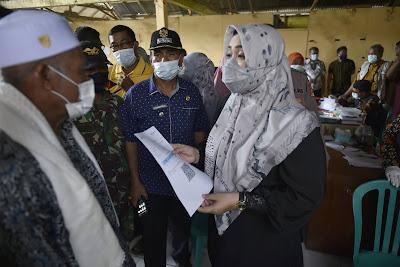 Tinjau Vaksinasi di Desa Ntonggu, Bupati Puji Partisipasi Warga
