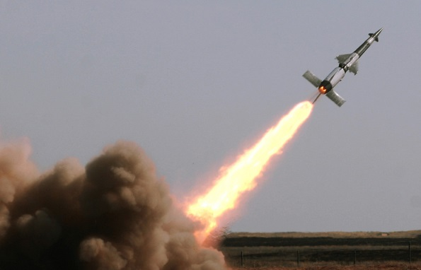 دفاعاتنا الجوية تتصدى لعدوان إسرائيلي على مطار التيفور بريف حمص
