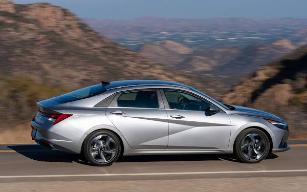 Novo Hyundai Elantra 2022