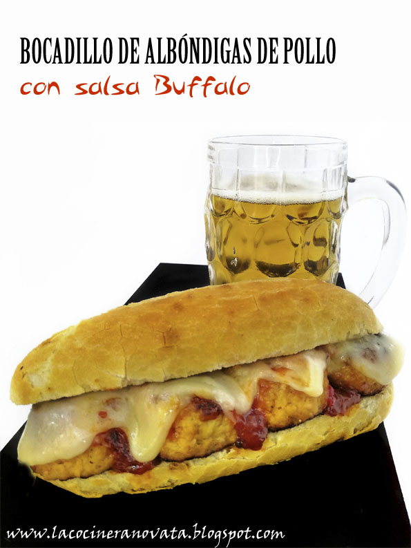 Bocadillo de albondigas de pollo con salsa buffalo la cocinera novata receta cocina americana callejera aves bocadillo sandwich tupper queso panko