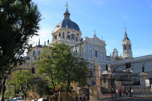 Мадрид, собор Альмудена (Madrid, Almudena Cathedral)