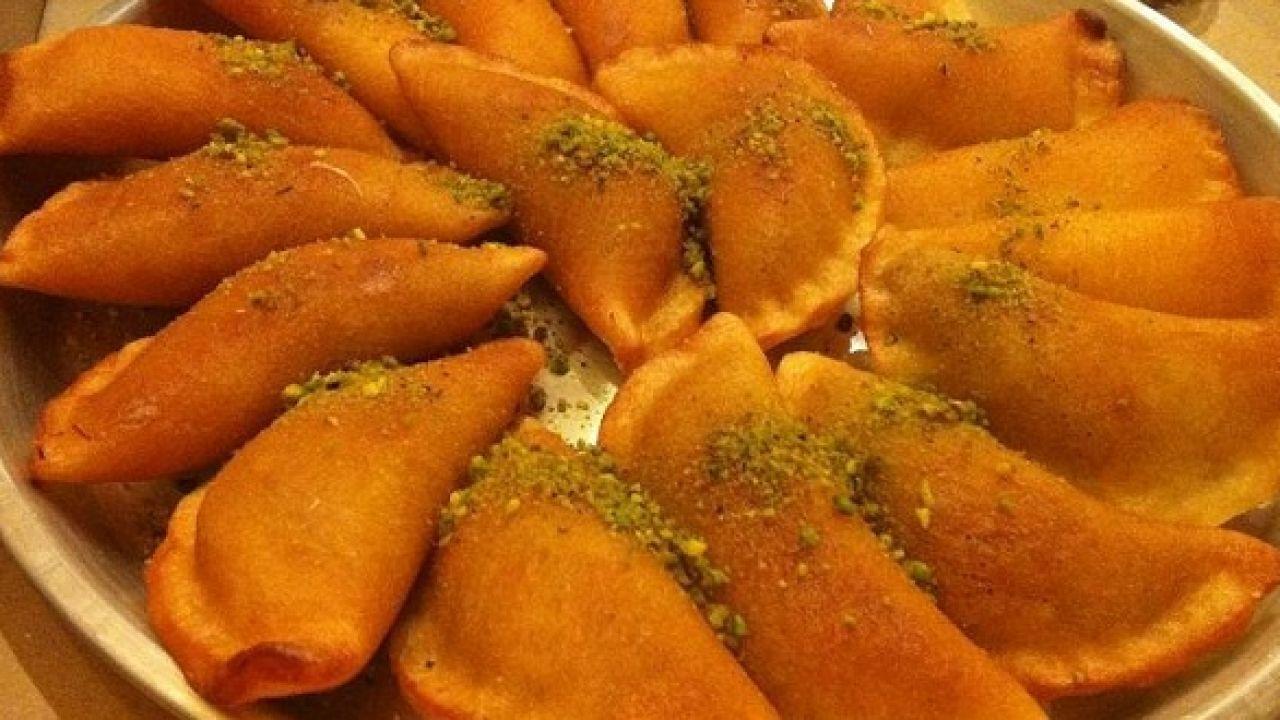 How to make Syrian qutayef nuts