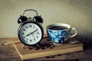 Bangun untuk mewujudkan mimpi atau lanjut tidur untuk melanjutkan mimpi