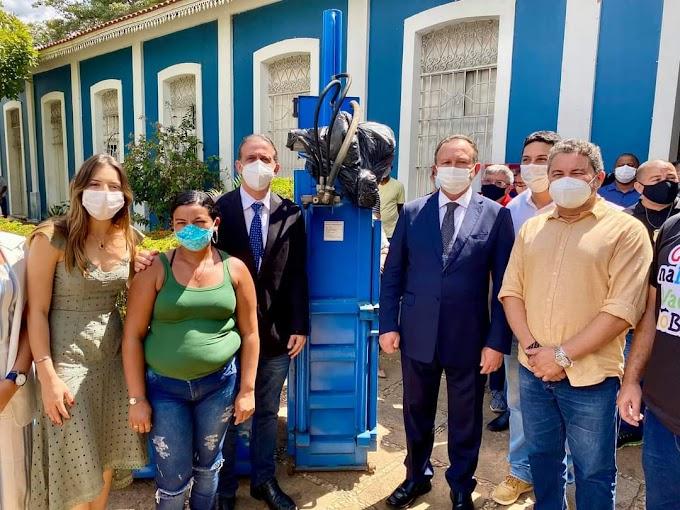 Secretário Jowberth Alves, participa de entrega de equipamentos para catadores de resíduos sólidos de Caxias-MA
