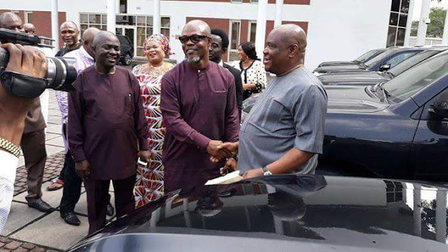 Nigerians blast Gov. Wike over SUV gift to Sen. Abe, others