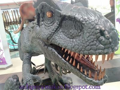 dinosaur - Trek