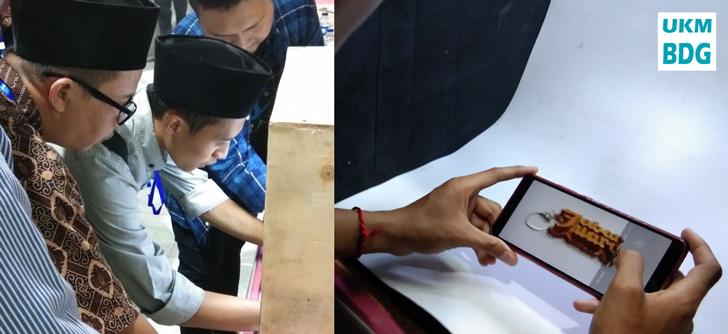 Dipandu langsung oleh Kang Heru, Kios Agro memberikan pelatihan Foto Produk cukup dengan peralatan sederhana.