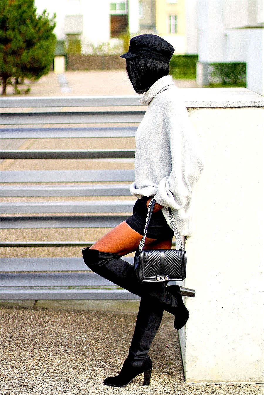 robe-pull-cuissardes-casquette-marin-chanel-boy-style