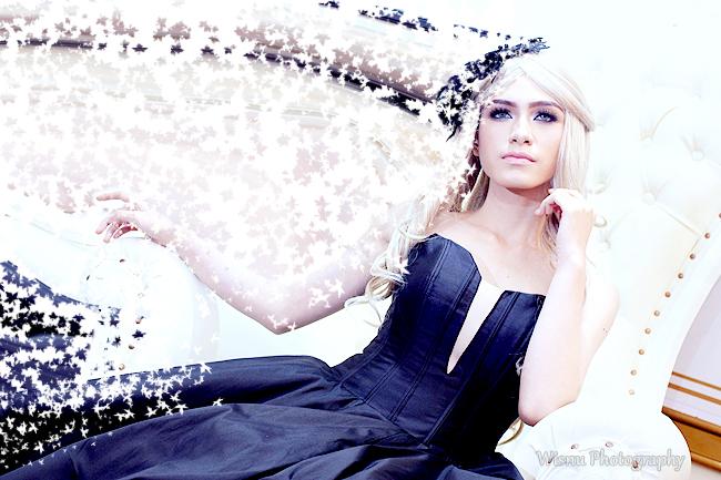 "Party Gown "" Blavk "" & Photo Disintegrasi  || Photographer & Editing By : Wisnu Darmawan ( Klikmg ) Fotografer Purwokerto || Wardrobe By : Skygown"
