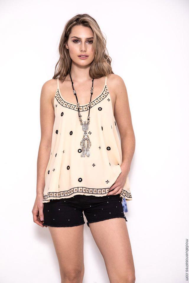 Remeras, blusas y tops de moda mujer primavera verano 2020 moda mujer.