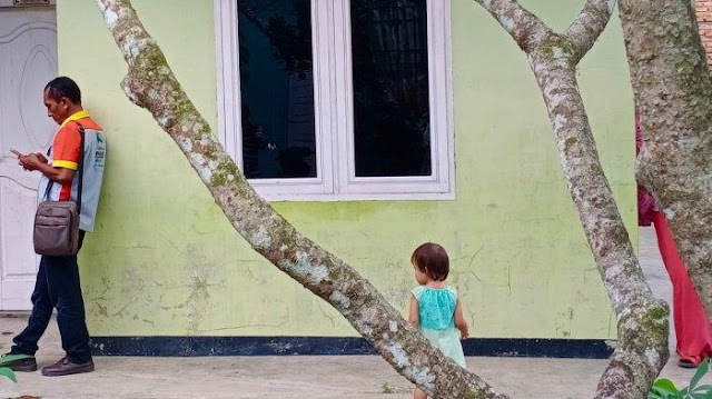 Ibu Muda di Binjai Ditangkap Densus, Anaknya Ditinggalkan Sendirian