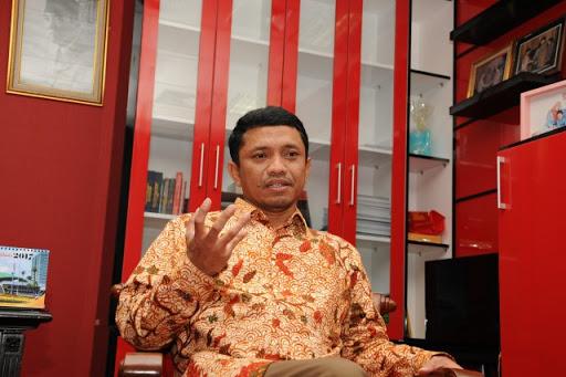 Puluhan Kantor di Jakarta Terpapar COVID-19, DPR Imbau Pekerja Disiplin Patuhi Protokol Kesehatan