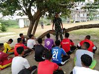 Kapten Inf Nuryanto Beri Materi Wasbang Kepada Atlit Sepak Bola TANJUNG BALAI  UNITED  U-17