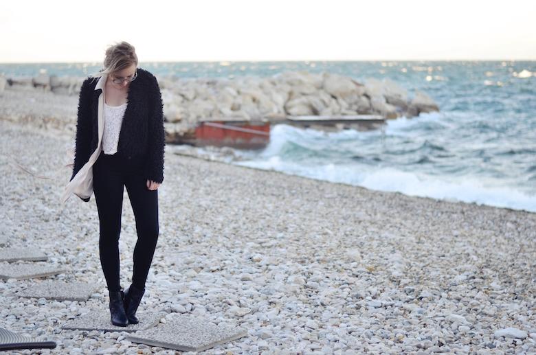 Outfit_am_Meer_im_Herbst_ViktoriaSarina