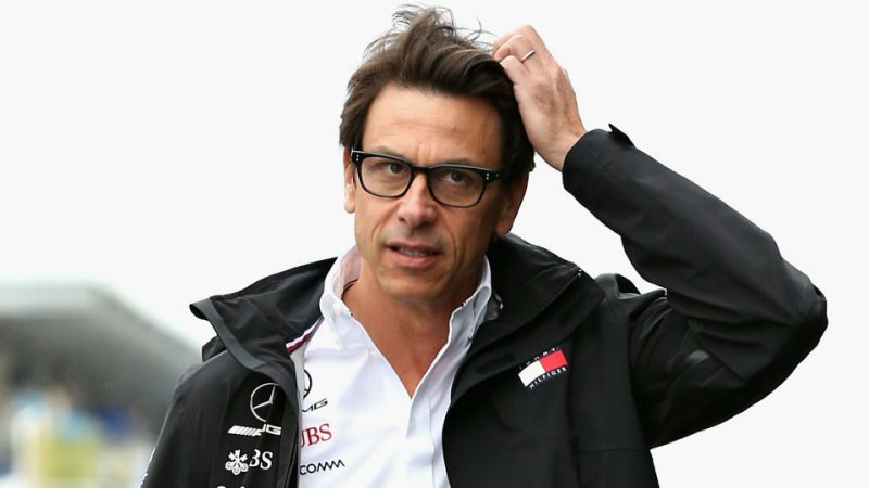 toto-wolff-looked-like-a-bunch-of-idiots-parecia-um-bando-de-idiotas