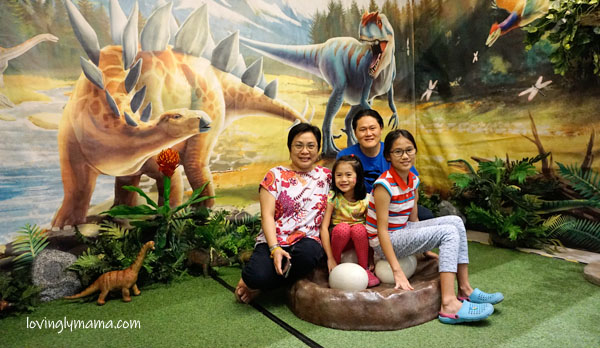 Dino Play by The Mind Museum - Ayala Malls Capitol Central - homeschooling in Bacolod - Bacolod mommy blogger - dinosaur eggs - family